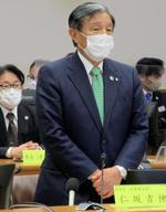 関西広域連合の会議で発言する連合長の仁坂吉伸和歌山県知事=5日午後、神戸市
