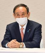 自民党役員会に臨む菅首相=12日午前、東京・永田町の党本部
