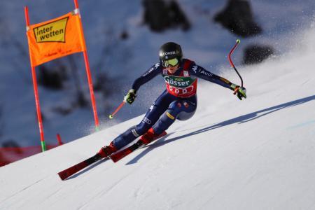 女子滑降で今季2勝目を挙げたイタリアのソフィア・ゴッジャ=9日、サンアントン(AP=共同)