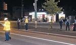 男性がはねられた現場の道路=9日午後11時20分、富山市五福