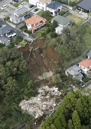 2人が犠牲になった千葉市緑区の土砂崩れ現場。土砂災害警戒区域に指定されていなかった=2019年10月