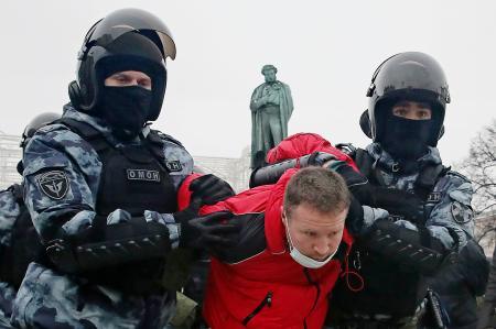 ロシア全土で反体制派釈放要求 妻含め1800人以上拘束 全国の ...